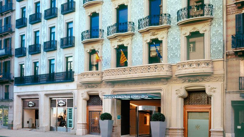 visitors__catalonia-ramblas