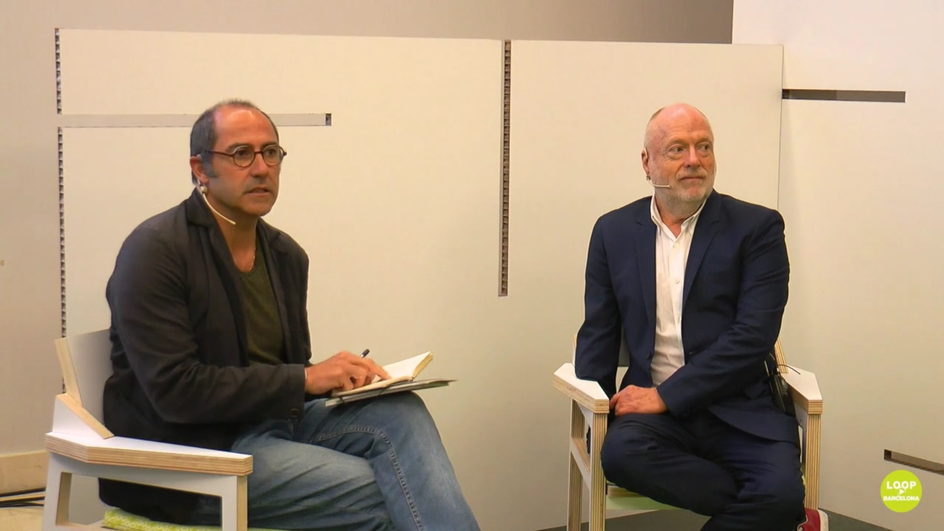 'Collecting Live: in Convesation with the Players' (Carles Guerra in conversation with Han Nefkens)
