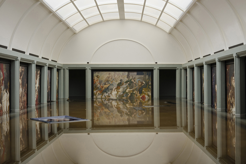 Breaking News : The Flooding of the Louvre